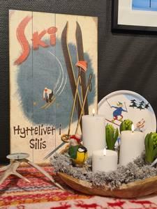 Bilde av Treskilt Ski HYTTELIVET I SILIS